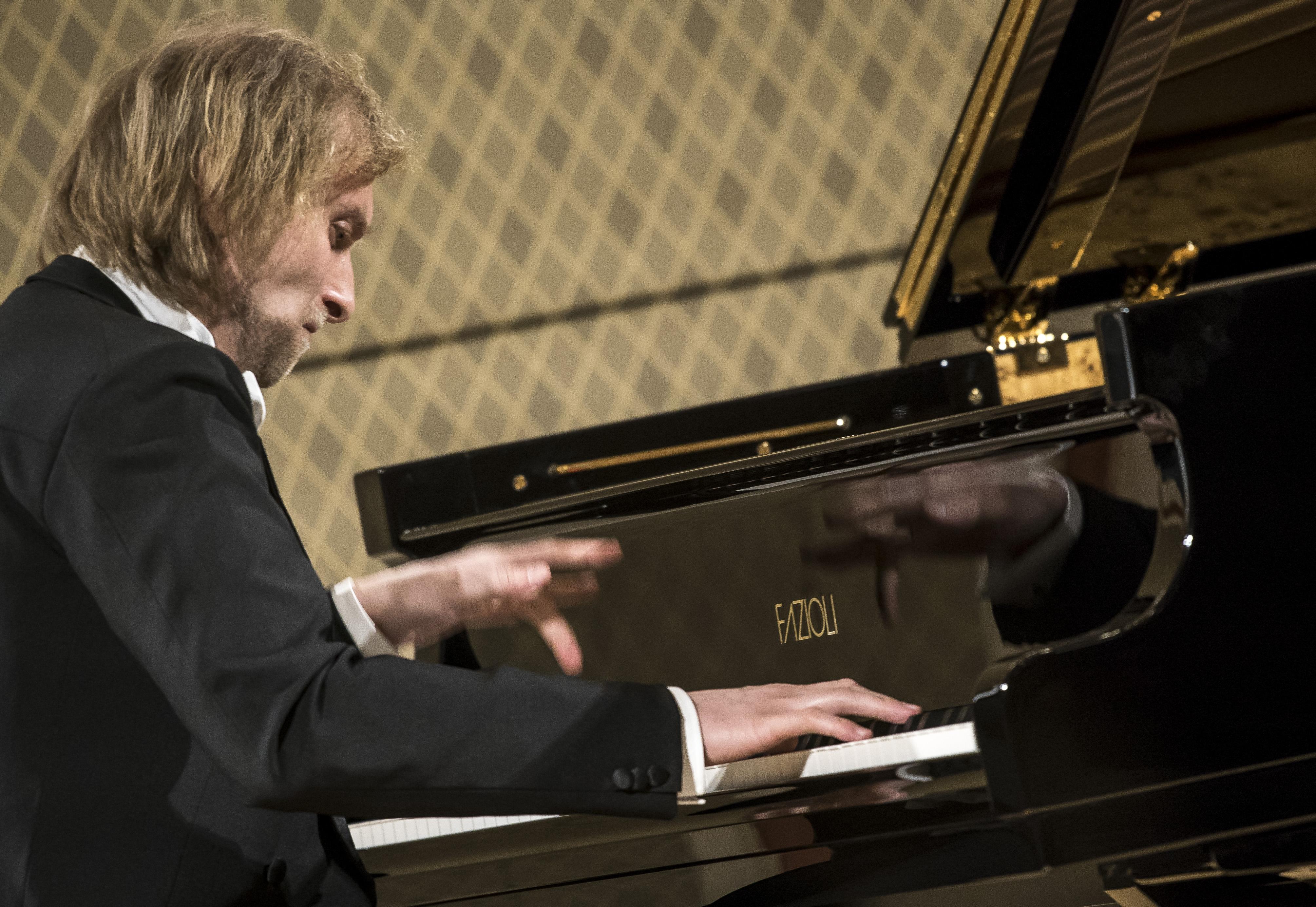 Ivo Kahánek pokřtil nový klavír i Sukovu síň Rudolfina