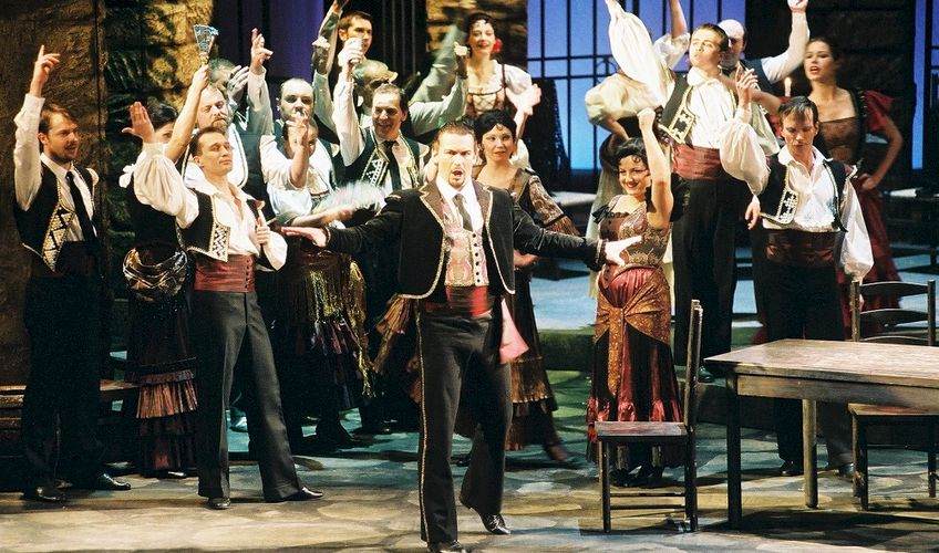 Carmen opens Thurn und Taxis Palace Festival Regensburg: Martin Bárta as Escamillo