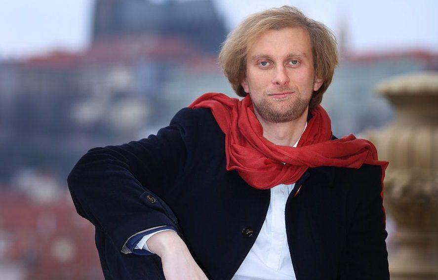"""Ivo Kahánek zahraje s FOKem v duchu """"manifestu jednoduchosti"""" náročný Prokofjevův klavírní koncert č. 5"""