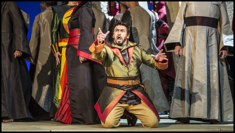 Harmonie: Curův Nabucco a suverénní Martin Bárta