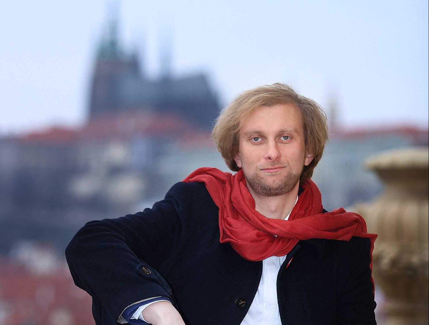 Klavírista Ivo Kahánek oslaví 100. výročí republiky s Českou filharmonií